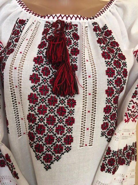 Вишиванка жіноча ручної роботи. Розмір  приблизно  Український 52   Міжнародний 3ХL  13dabd3122335