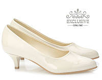 Бежевые женские туфли Fajtuna 40 размер