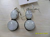 Серьги с лунным камнем. Серьги с натуральным лунным камнем в серебре