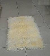 Ковер из длинношерстной ламы кремового цвета