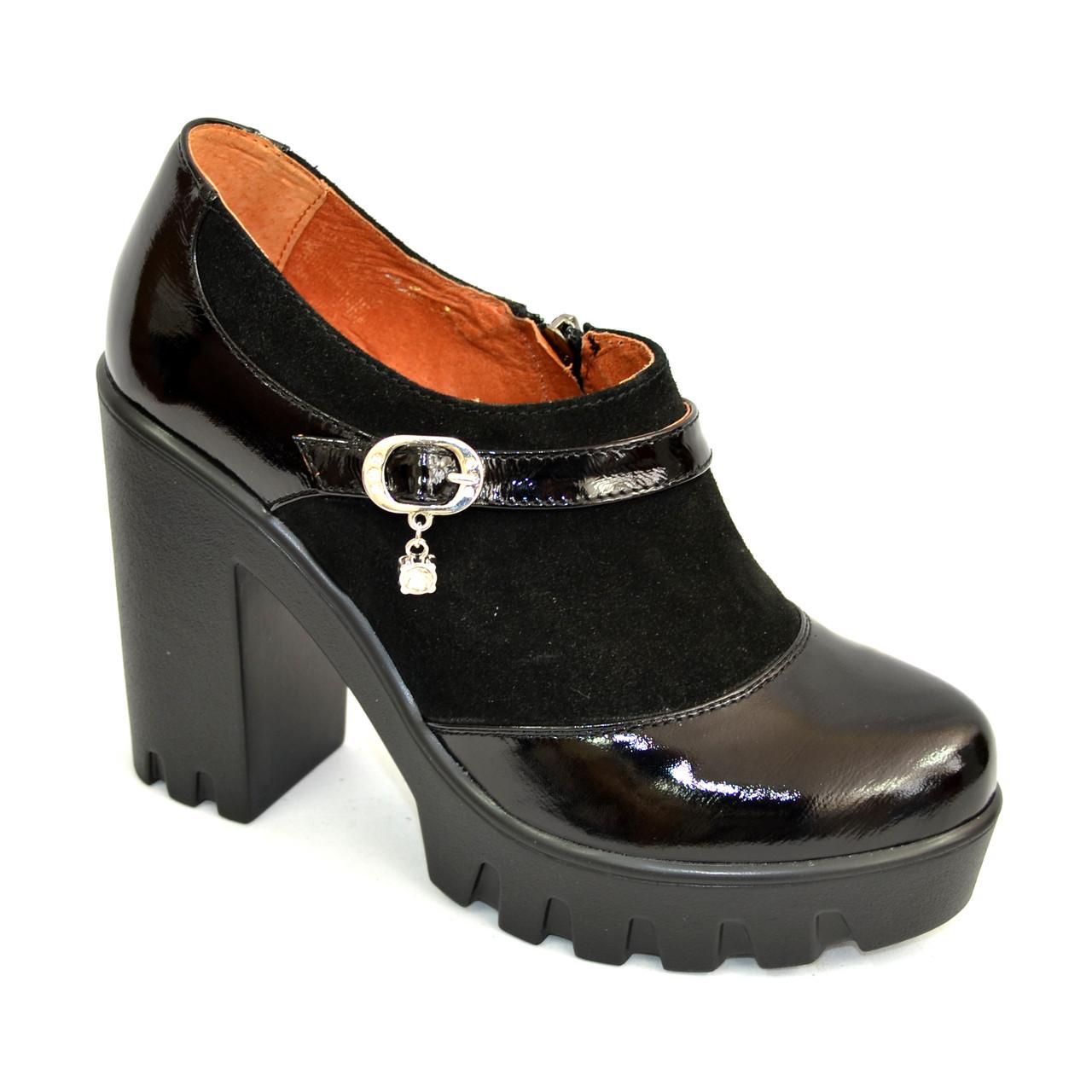 Женские туфли на тракторной подошве, натуральная лаковая кожа и замша.