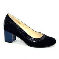 Женские классические синие туфли на невысоком устойчивом каблуке, натуральные замша и кожа питон. 41 размер