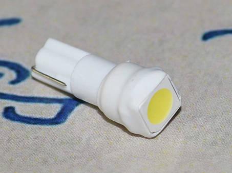 Светодиодная лампа в подсветку панели приборов  с цоколем T5(W2x4,6d)(W1.2) 1-5050 12V-Бел, фото 2