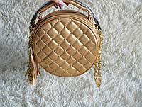 Круглый клатч Chanel с кисточками, модель 2017 года