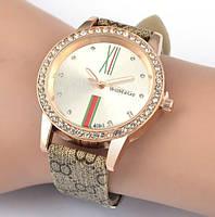 Модные стильные женские часы co стразами в стиле Gucci
