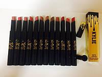 Помада для губ матовая Kylie Matte Lipstick Birthday Edition
