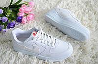 Женские белые кроссовки Турция