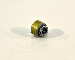 Сальник клапана впуск / выпуск на Renault Mascott  2004->2010, 3.0dCi - Victor Reinz (Германия)  70-53957-00