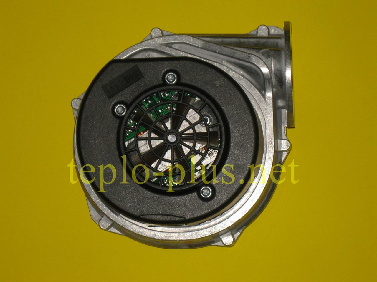 Вентилятор 8717204529 Junkers CerapurComfort ZBR42-3 A, ZWBR35-3 A, Bosch Condens 7000 W ZBR42-3 A, ZWBR35-3 A