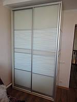 Шкаф купе с крашенным рисунком на стекле