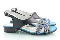 Черные босоножки с голубыми вставками на маленьком каблуке с принтом, фото 1
