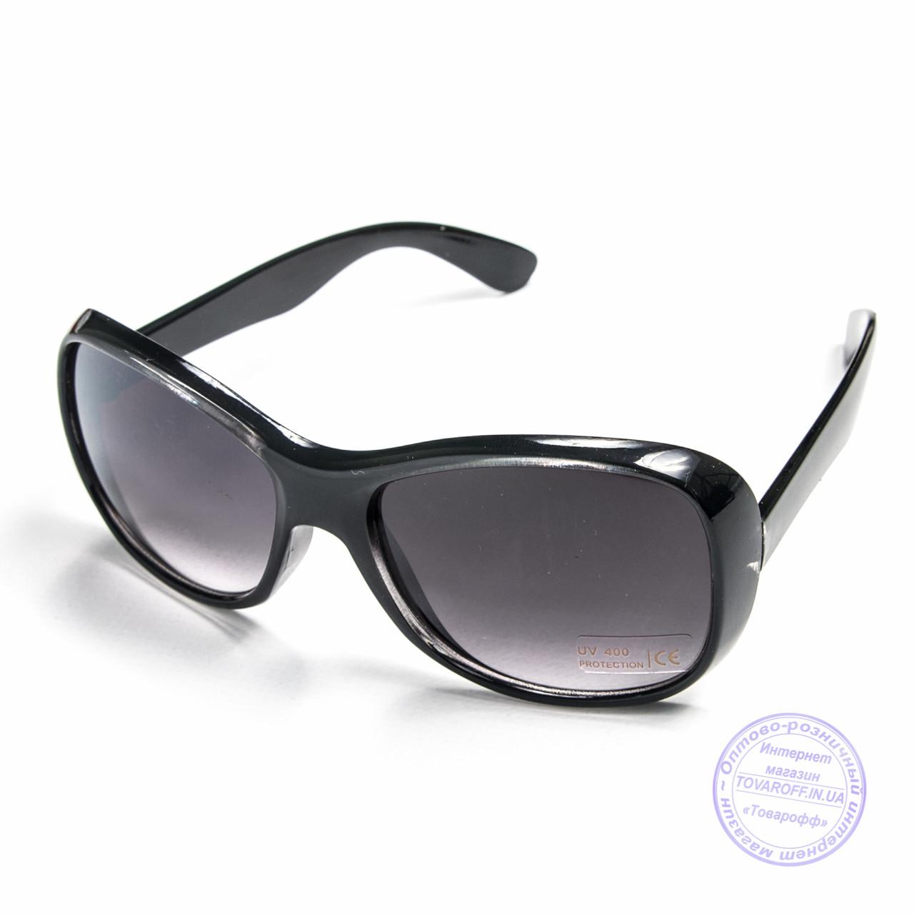 Розпродаж жіночих сонцезахисних окулярів - Чорні - B922