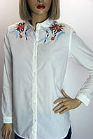 Блузка белая с вышивкой Saloon