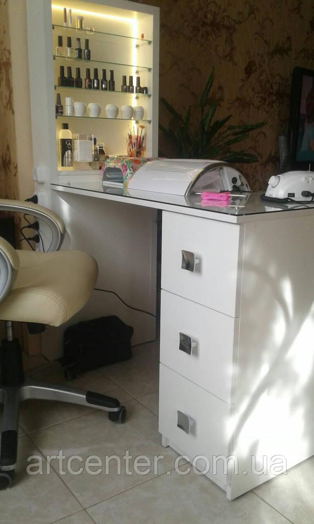 Маникюрный стол однотумбовый с выдвижными ящиками и витриной с подсветкой для лаков