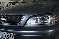 """Opel Omega B - замена галогенных линз на би-ксеноновые Infolight Ultimate G5 2,5"""" H1, установка ксенона"""