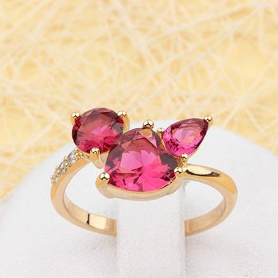 002-1872 - Позолоченное кольцо с рубиновыми и прозрачными фианитами, регулируется 19-19.5 р.