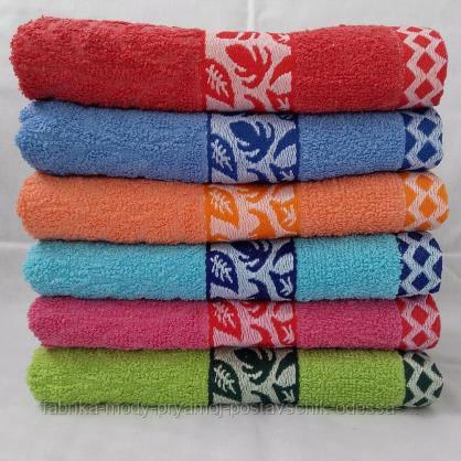 Яркие махровые полотенца хорошего качества.  Размер:1,4x0,7