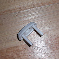 Защитная заглушка в розетки от детей 1 штука