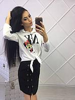 Женская белая рубашка с мультяшным принтом