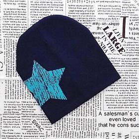 Шапка с звездой для мальчика Чернено синяя