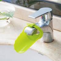 Насадка - удлинитель для водопроводного крана регулируемый Салатовый