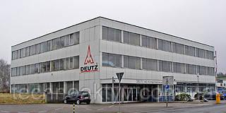 Herschbach (Хершбах) Вблизи Кельна для привлечения новых сотрудников, компания Klockner-Humboldt-Deutz AG (KHD) в конце 1950-х годов построила компанию на 100 рабочих мест в Herschbach (рядом Мюндерсбах). С 1 апреля 1962 стартовало производство двигателей ориентированных на тракторостроение. На пике производительность там трудилось около 400 сотрудников. В начале 1970-х, после различных пристроек были объединены два сайта для стратегических районов Herschbach в 1993 году. На сегодняшний день на заводе трудится около 150 высокопрофессиональных сотрудников, ориентированных на изготовление и сборку продукции для Кельна и Ульма.