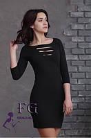 Платье с перфорацией на груди
