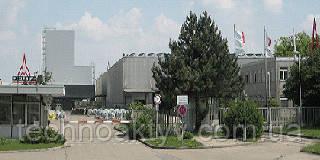 Ulm (Ульм) Данный завод осуществляет важнейшую роль в глобальном успехе бренда DEUTZ. Опытная команда в Ульме (Ulm)занимается проектированием и монтажом воздушных двигателей с жидкостным охлаждением. Двигатели, изготовленные в Ульме, демонстрируют впечатляющую производительность и экономическую эффективность в грузовиках, в горнодобывающей промышленности, на строительных площадках и железных дорогах.