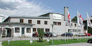 Übersee (Иберзее)  В Deutz Xchange, который находится в Верхней Баварии городе Иберзее-ам-Химзее (Übersee am Chiemsee), завод по капитальному ремонту двигателей, его продукт ― восстановленные двигатели DEUTZ. На этом предприятии проводятся капитальные ремонты двигателей, узлов и агрегатов. Под брендом DEUTZ Xchange, моторы и запчасти из Chiemgau используются в обслуживании двигателей во всём мире. Продукция DEUTZ широко распространена в Европе и производство, «восстановление» является еще одним направлением деятельности DEUTZ. Двигатель, выработавший моторесурс, доставляется клиентом на завод в Übersee, взамен клиент получает весомую скидку на покупку аналогичного «восстановленного» двигателя. Современное оборудование завода позволяет сделать капитальный ремонт и дать гарантию на отремонтированный двигатель как на новый.   Предприятие имеет более 60-лететний опыт по ремонту и реконструкции двигателей DEUTZ. На сегодняшний день более 170 сотрудников производят почти 4000 двигателей Xchange ежегодно с гарантией качества нового двигателя, и около 50% из двигателей,  будут доступны на рынке в качестве восстановленных. Время изготовления от момента получения заказа до поставки мотора, составляет нескольких рабочих дней. Завод в Übersee и его продукция занимает существенную часть в качестве обслуживания, предлагаемого компанией DEUTZ AG.