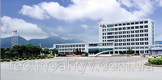 Dalian (Далянь)  Компания DEUTZ с 2007 года отрыла совместное предприятие DEUTZ (Dalian) Engine Co., Ltd. в Даляне (Китай) вместе с одним из ведущих производителей автотранспорта в Китае. Здесь изготавливают дизельные двигатели (от 3 до 8-литровых) в основном для китайского рынка. Кроме дополнения к поставке производственных частей из Германии для международных заводов, DEUTZ (Dalian) Engine Co., Ltd. сегодня функционирует в качестве вспомогательного производителя для головок цилиндров, картеров и валов для сборочного завода расположенного в Кельне (Cologne).