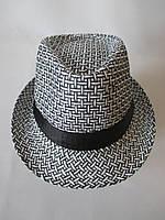 Черно - белые плетенные шляпы.
