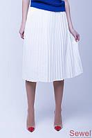 Расклешенная белая юбка миди