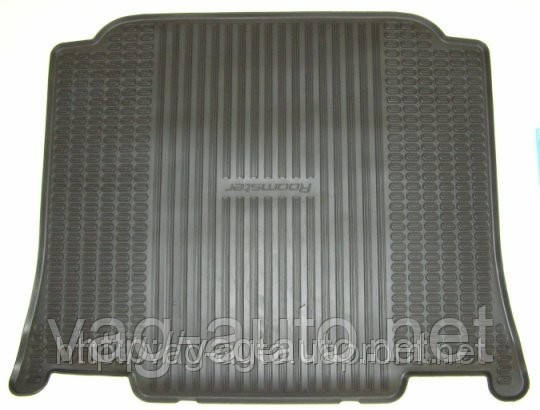Коврик багажника резиновый Roomster
