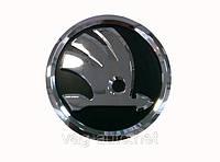 Эмблема SKODA в новом стиле для Fabia New передняя