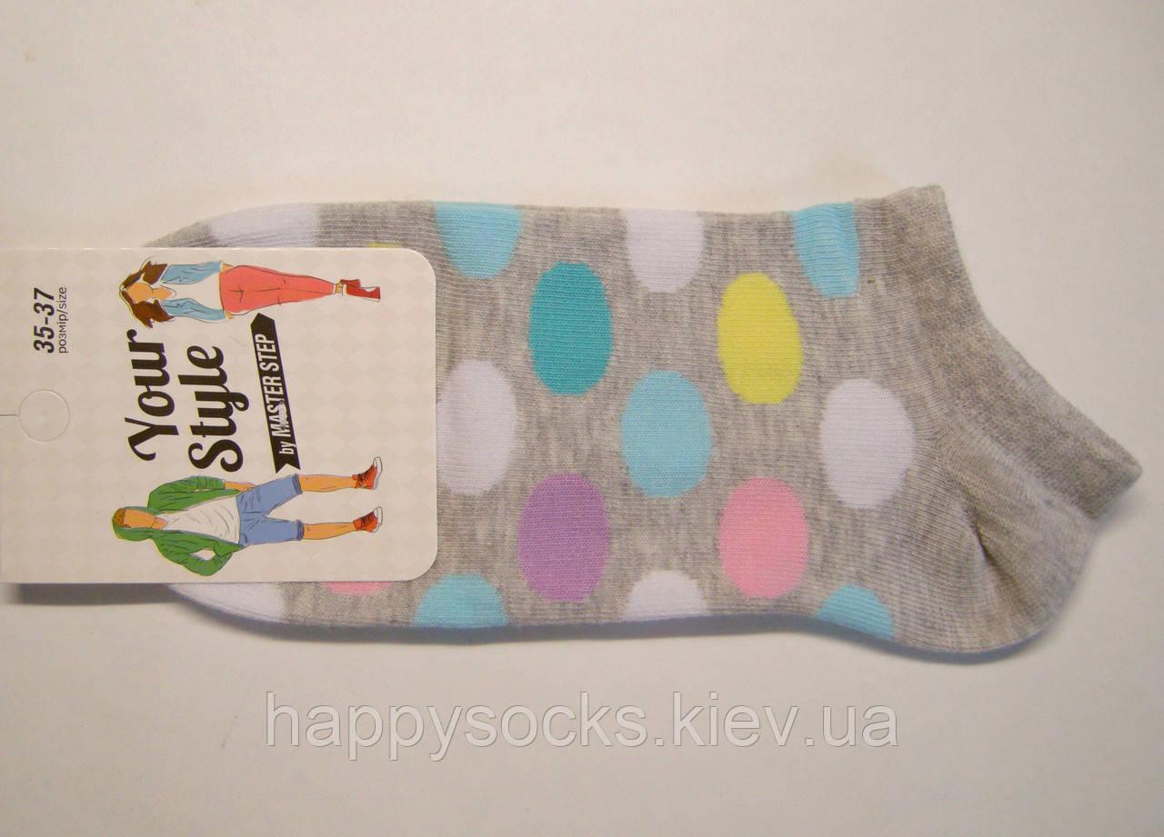 Короткие носки летние цветные светло-серого цвета в цветные горохи