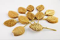 Листья розы золото