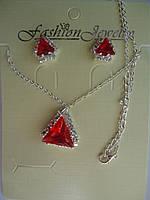 Набор Кулон и серьги-гвоздики с красным камнем Треугольник