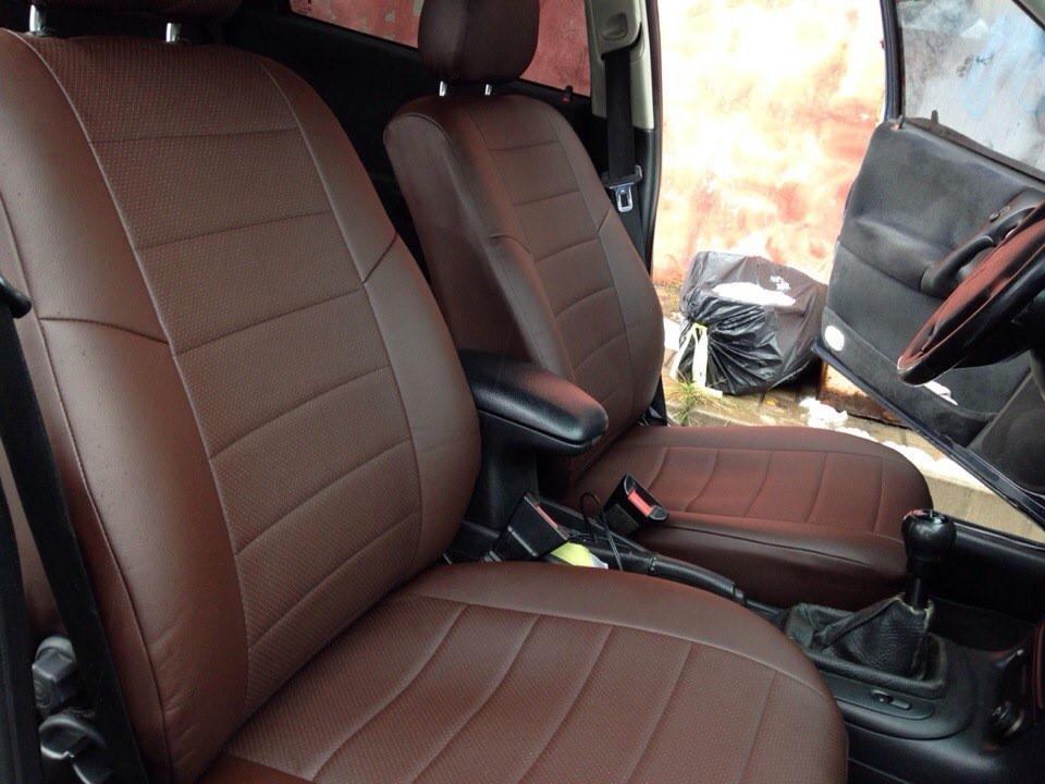 Авточехлы из экокожи шоколад на  Volkswagen Golf 6 с 2008-2012г. Хэтчбек