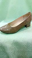 Весенние туфли на среднем каблуке