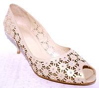 Праздничные туфли с камнями сваровски