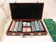 Покерный набор в деревянном кейсе на 300 фишек