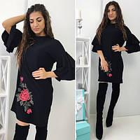 Платье из креп-трикотажа с красивой аппликацией в виде розы