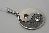 Кулон серебряный Инь-Янь с чернением и фианитами