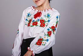 Вышитая блуза для девочки гладью с маками и ромашками