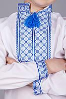 Вышитая сорочка крестиком на белом батисте с необычным синим орнаментом