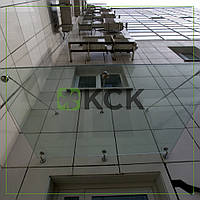 Готовый навес из стекла и нержавеющей стали