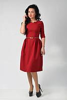 Бордовое платье с пояском