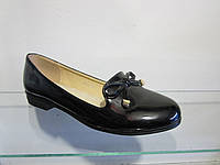 Балетки женские лаковые на низком каблуке