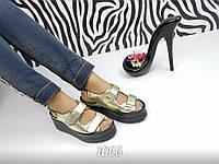 Женские босоножки на платформе, эко лак, золотистые / босоножки женские на липучках, модные