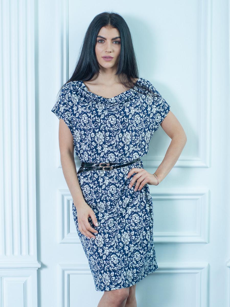 Женское летнее платье с цветочным узором и поясом